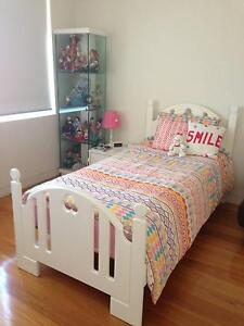 Single bed in white Maroubra Eastern Suburbs Preview