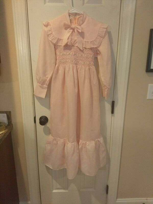 VINTAGE POLLY FLINDERS HAND SMOCKED Pink DRESS or Period Costume    SIZE 10