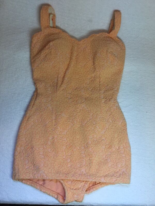 Vintage Catalina 50s 60s Swimming Bathing Suit One Piece Peach Color Size 12