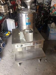 Gelato/ hard ice cream machine/ machine a creme glacée dur