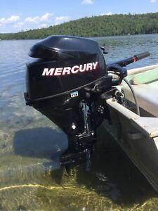 Moteur hors-bord «Mercury» 9.9HP. 4 temps