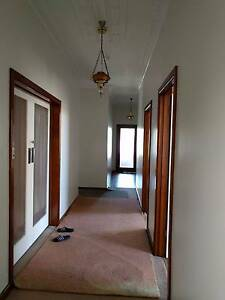 Clean Large Bright Room 1 Min to Trains Albion Brimbank Area Preview