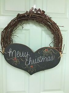 """WREATH 26"""". With handmade heart - EXCELLENT CONDITION Windsor Region Ontario image 1"""