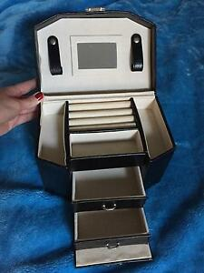 Jewellery box/ case / organizer Sydney City Inner Sydney Preview