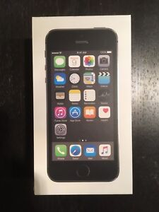 iPhone 5s 16 GB unlocked/débloqué LIKE NEW/COMME NEUF