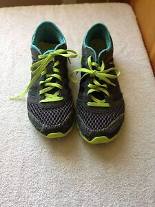 Women's size 8 running shoes
