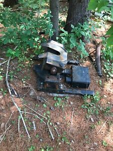 Electric fifth wheel hitch