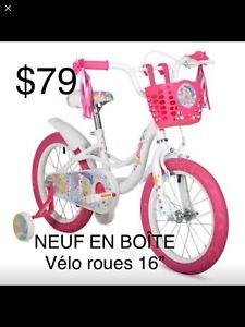 """NEUF EN BOÎTE Vélo de fille Barbie avec roues de 16"""""""