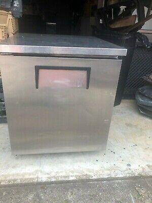 True Tuc-27 Undercounter Refrigerator
