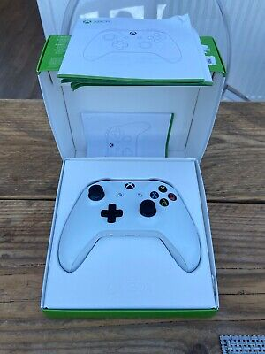 Microsoft Xbox One Wireless Controller White - Hardly used!