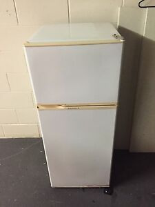FREE FRIDGE Wynnum Brisbane South East Preview