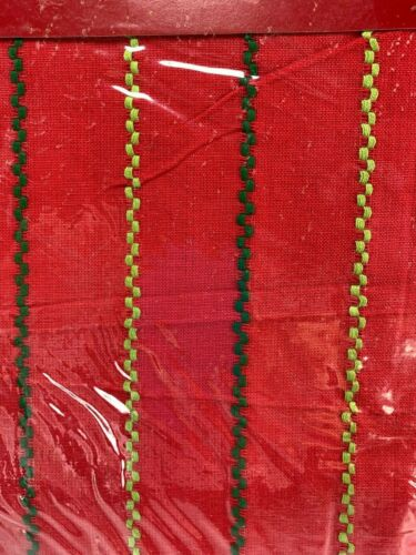 """Holiday Tablecloth Red Green Cotton 60 X 84"""" UNUSED 32067"""