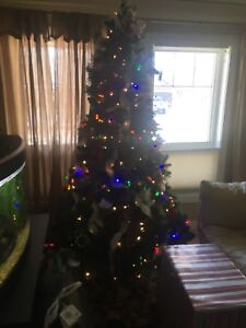 6 foot Christmas Tree- easy assemble