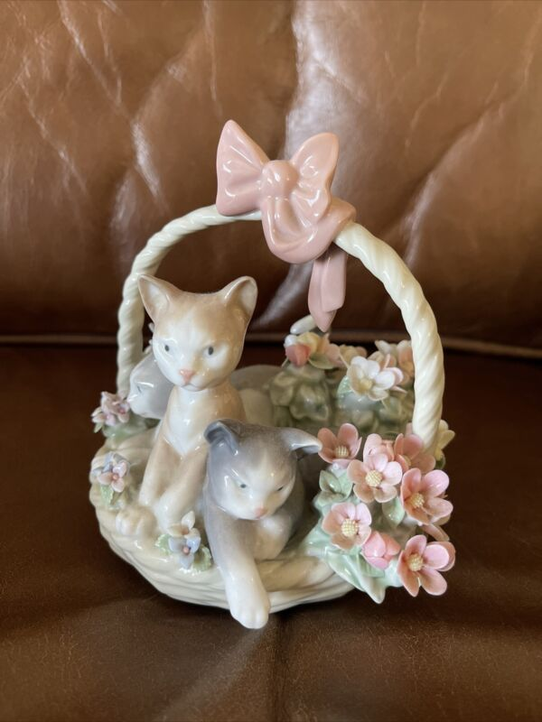 Lladro Three Kittens in Basket with Bow and Flowers Figurine Collectible