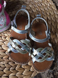 Silver/Gold Sandals (Size 7)