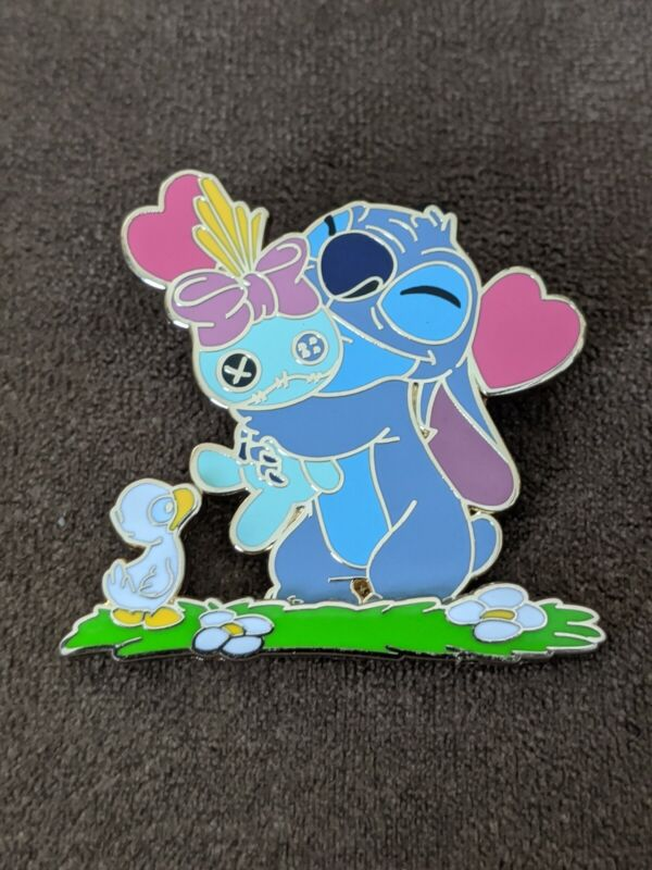 Disney DLP Disneyland Paris Stitch and Duck Scrump Today I Feel Loved LE700 Pin