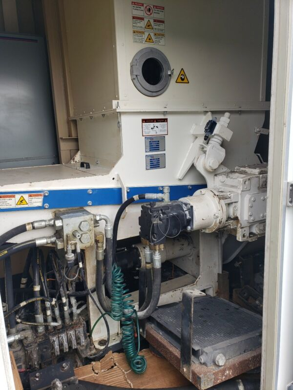 2006 Vecoplan RG32 XLM FS400M Hydraulic Powered Shredder / Grinder