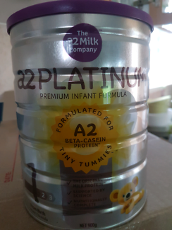 A2 Platinum baby formula tins sealed and in date.