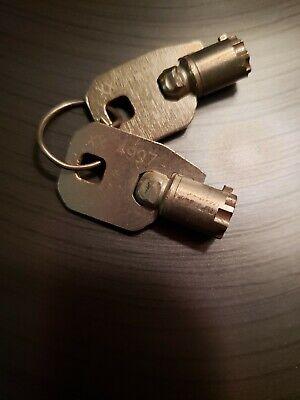 Ace Chicago Vending Machine Keys Matching Pair 4997 Used