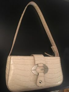 Lightly used guess purse