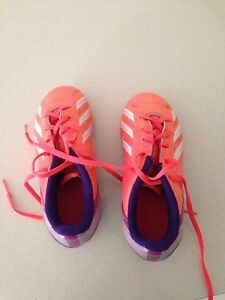 Soccer boots- Girls size 12 Warana Maroochydore Area Preview