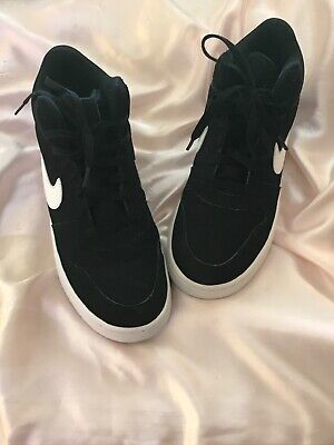 Nike Basketball Shoes. MENS 8.5 EXCELLENT