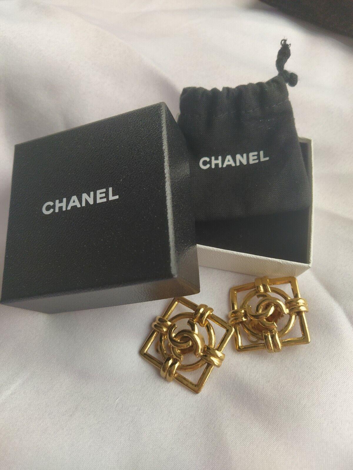 Chanel earrings boucles gold clips carré + boite + pochon authentic & vintage cc