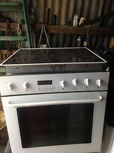 Stove oven and sensor cooktop Orchard Hills Penrith Area Preview
