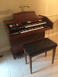 Organ + Bench Galanti F-5