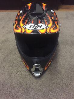 THH TX-10 Motorcycle MotoX Helmet