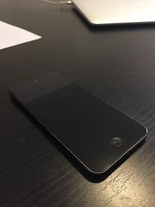 5th Generation iPod Touch 16gb Black