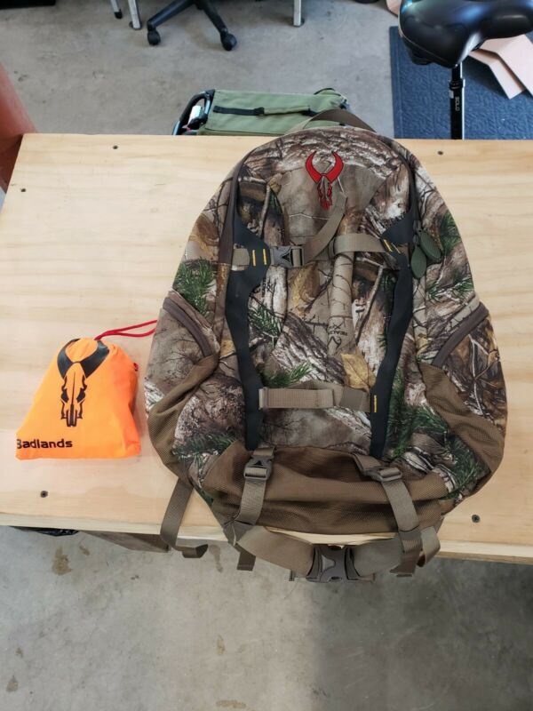 Badlands Day Pack With Blaze Rain Cover