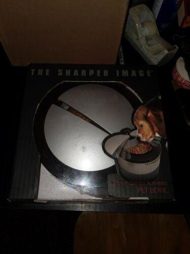 The Sharper Image - Motion Sensor Activated Pet Food Bowl New (flawed) SIFB-501