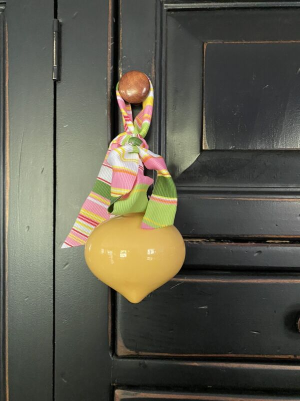 """NWT CLAY CHICK CERAMICS SOLID YELLOW ORNAMET-3"""""""
