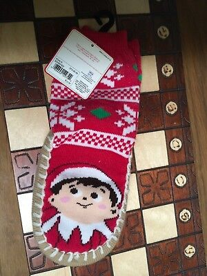"""CHILD'S NWT SIZE 2T-3T """"ELF ON A SHELF"""" SHOE SZ 5-7-1/2 PAIR RED SOCK SLIPPERS"""