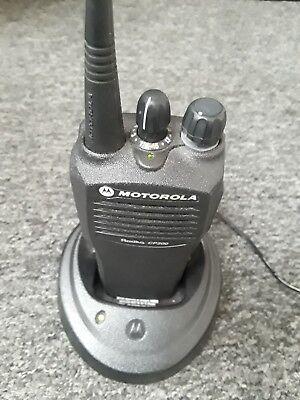 Vhf 200 Marine (Motorola Radius CP200 , VHF Handheld Marine Radio (Black))