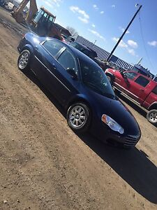 2005 Chrysler Sebring Limited with only 110, 000kms!!!