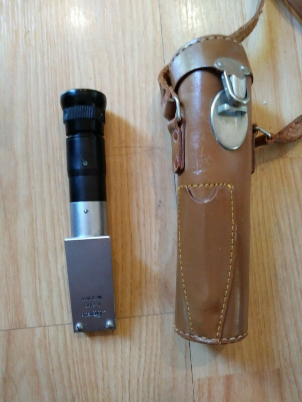 Lafayette Refractometer F-358 Scientific Instrument with leather case