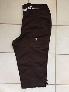 20W Brown Capri