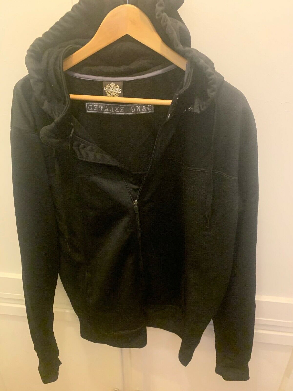 GANG RELATED TV SHOW CREW HOODED JACKET BLACK MENS L MADE BY EXPEDITION SERIES - $59.99