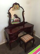 Dressing table stool duchess and antique bed Meridan Plains Caloundra Area Preview