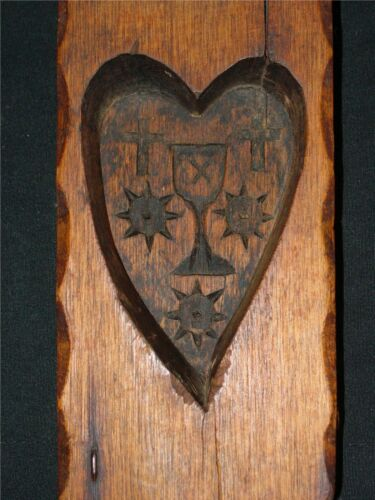 RARE ANTIQUE PRIMITIVE RELIGIOUS HAND CARVED WOOD HEART SPRINGERLE / BREAD MOLD