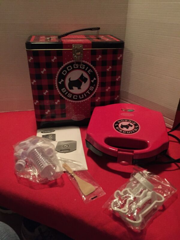 Nostalgia Electrics Doggie Biscuit Treat Maker Kit Nostaglia