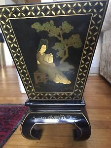 JAPANESE/CHINESE? Black lacquer fern stand/ plant stand