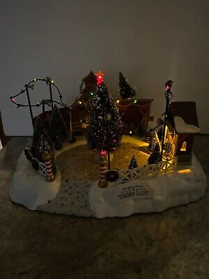 Rare Lemax North Pole Christmas Tree Lot Lighted Sounds Christmas Train Village ()