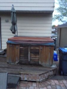 FREE 5 Person Hydropool Hot Tub FREE FREE!!!!