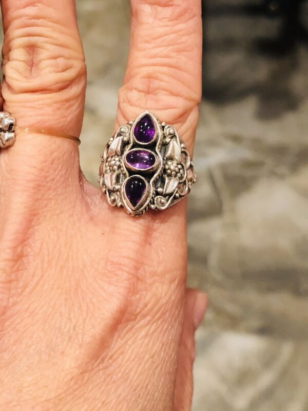 Vtg .925 Sterling Silver Flowers With 3 Amethyst Stones Art Deco Ring Size 6.75
