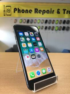AS NEW CONDITION IPHONE 7 32GB BLACK WITH WARRANTY