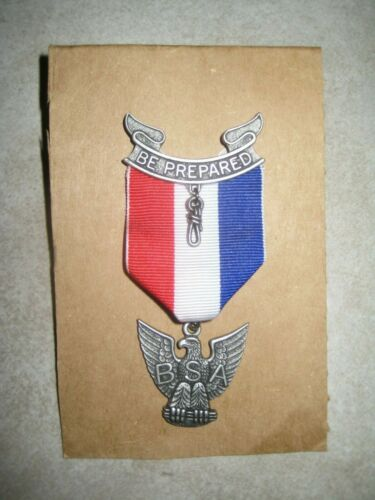BOY SCOUTS OF AMERICA BSA Be Prepared Eagle Scouting Uniform Pin Medal USED