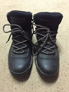 Mens Columbia boots. Like new